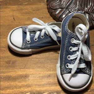 Converse size 5 blue EUC. Hardly worn!!